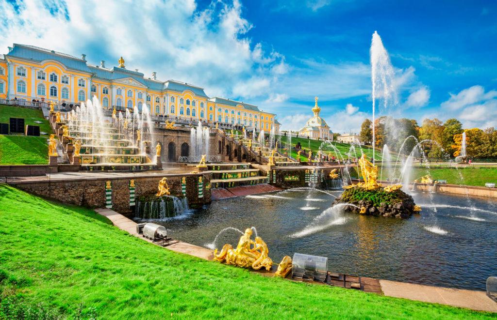 Kurs językowy w Rosji, St. Petersburg, pałac i fontanny